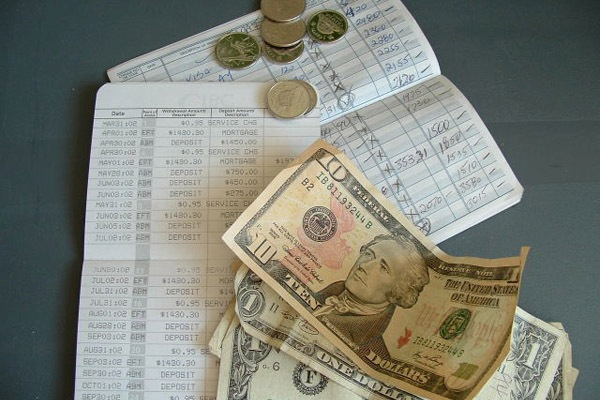 Взыскание долгов – как погашается просроченный кредит, если нет имущества?
