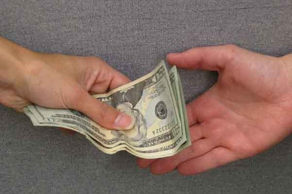 Как взять кредит должникам банков?